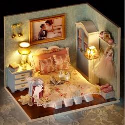 DIY House Honeymoon Room