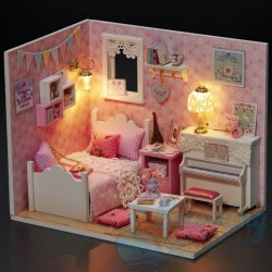 DIY House Maria Room